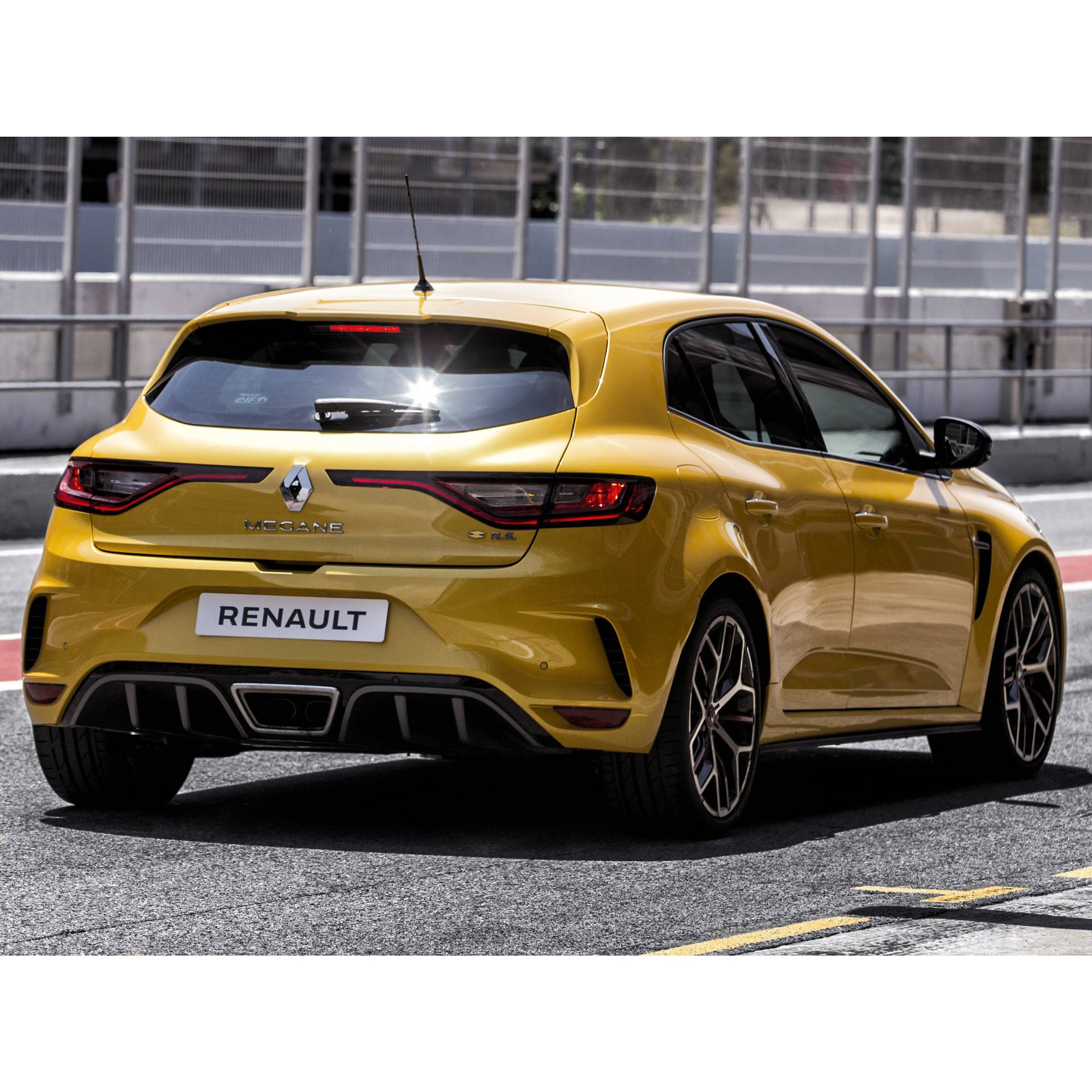 Performance Sport Exhaust For Renault Megane 4 R S Trophy Renault Megane Iv 1 8t R S Trophy 300 Hp 2019 Renault Exhaust Systems