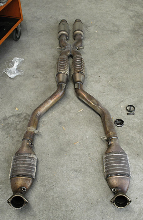 Stock primary and secondary cats and centre exhaust