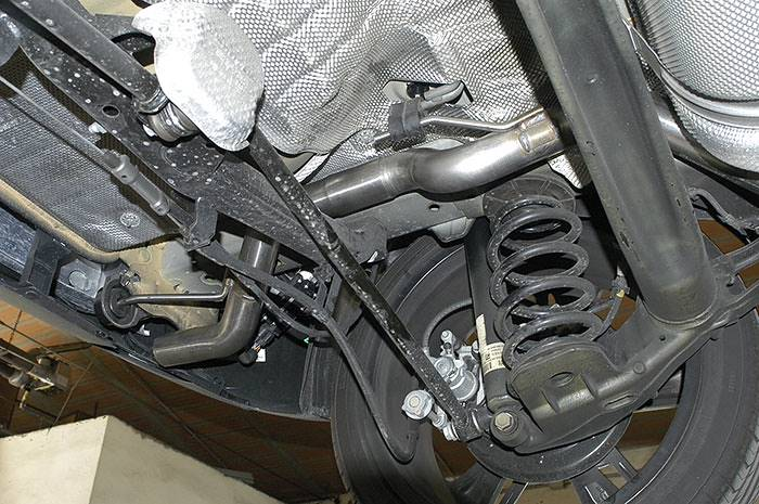 855914 Rear pipe (Replaces OEM rear muffler) + 855945 Connecting pipe