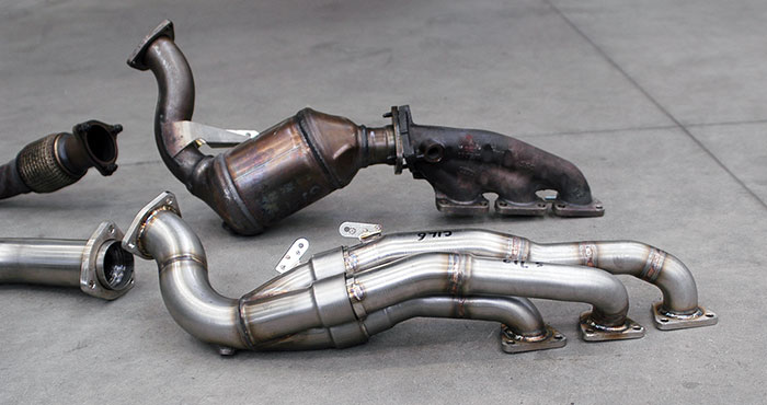 "Stock manifold VS 769101 Manifold + 769111 Connecting pipes 3–›1 ""Street""+767731 Connecting pipe kit"