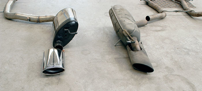 Prototype of 848205 Rear exhaust R. 145x95 Vs Stock rear exhaust