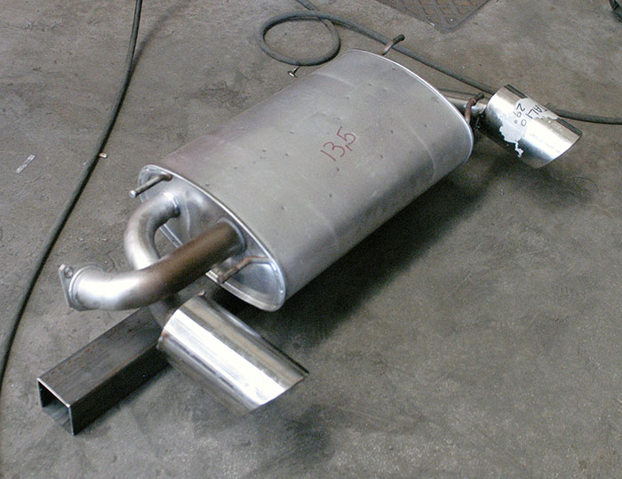 Stock muffler with endpipe mockup O100