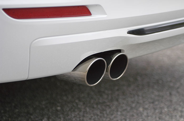 Detail of 987906 Rear exhaust Right OO80 - Left OO80