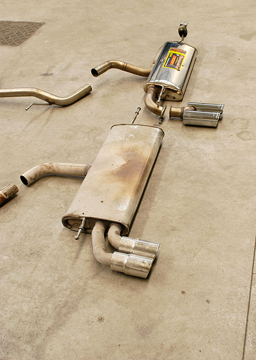 Stock rear exhaust VS Prototype of 770904 Rear exhaust + 764516 Endpipe OO80