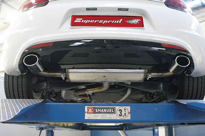 Special application R-Line bumper with R diffuser: 767513 (enlarged to Ø65 on the outlet) + 888504 R Muffler + 888512 120x80mm tailpipe kit