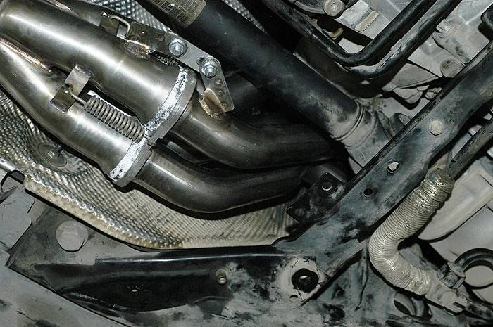 4 into 1 manifold detail