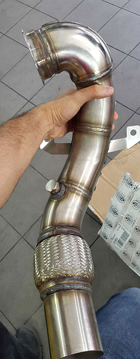 Superspint turbo downpipe per Golf mk7 R
