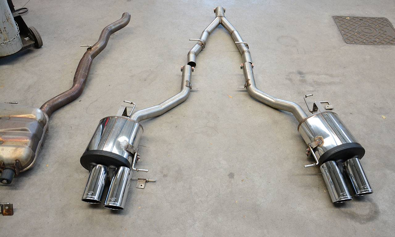 Supersprint rear exhausts and central Y-pipe VS Stock