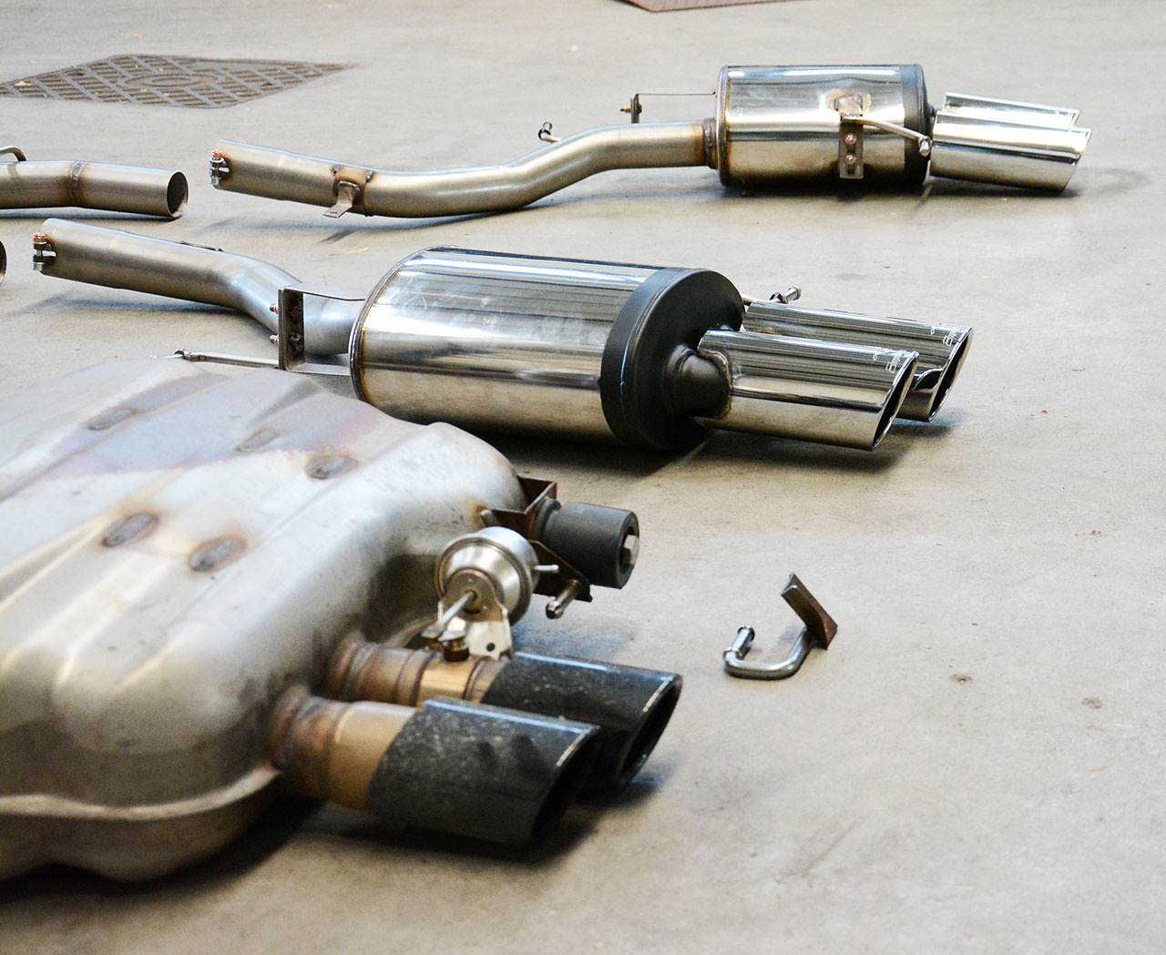 Supersprint rear exhausts VS Stock