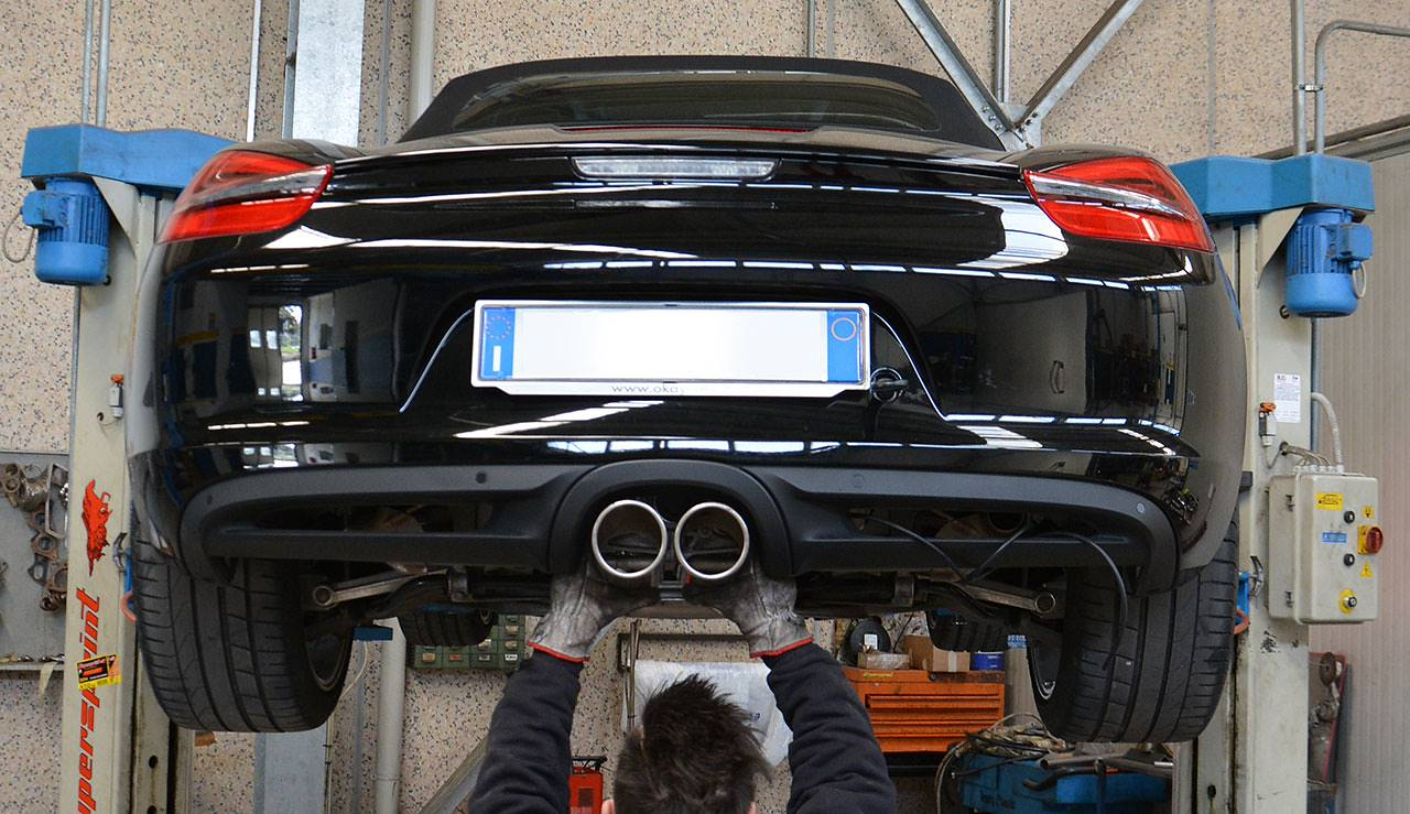 Porsche 981 - 100mm tailpipes testing