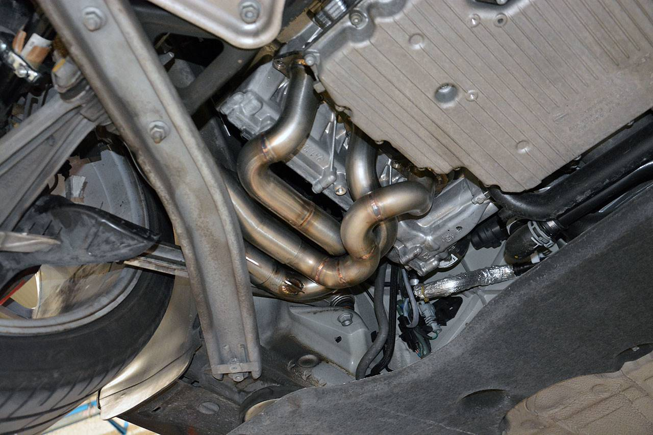 Porsche 981 - Supersprint headers 248001 installed