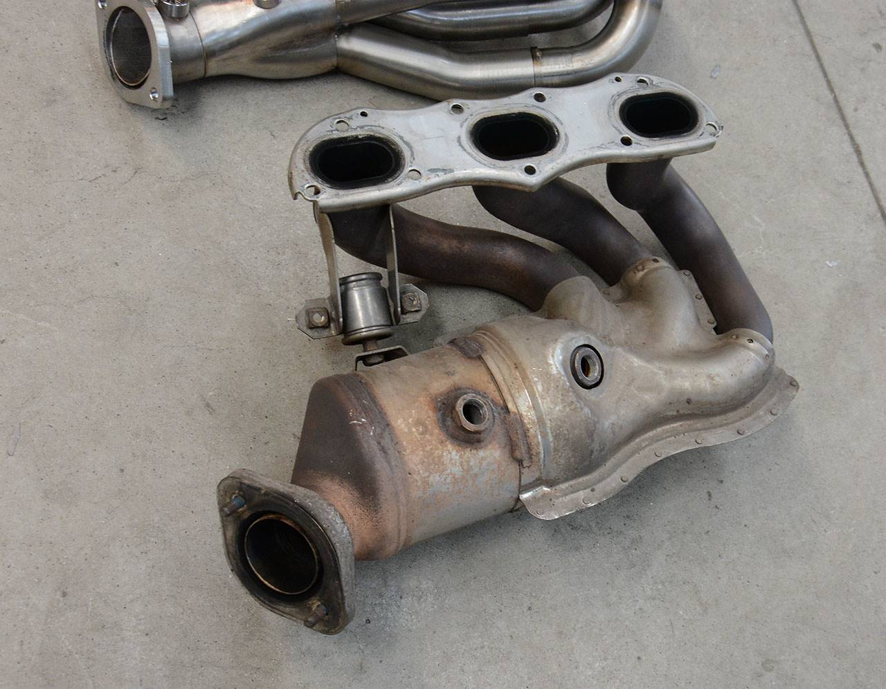 Porsche 981 - Stock headers