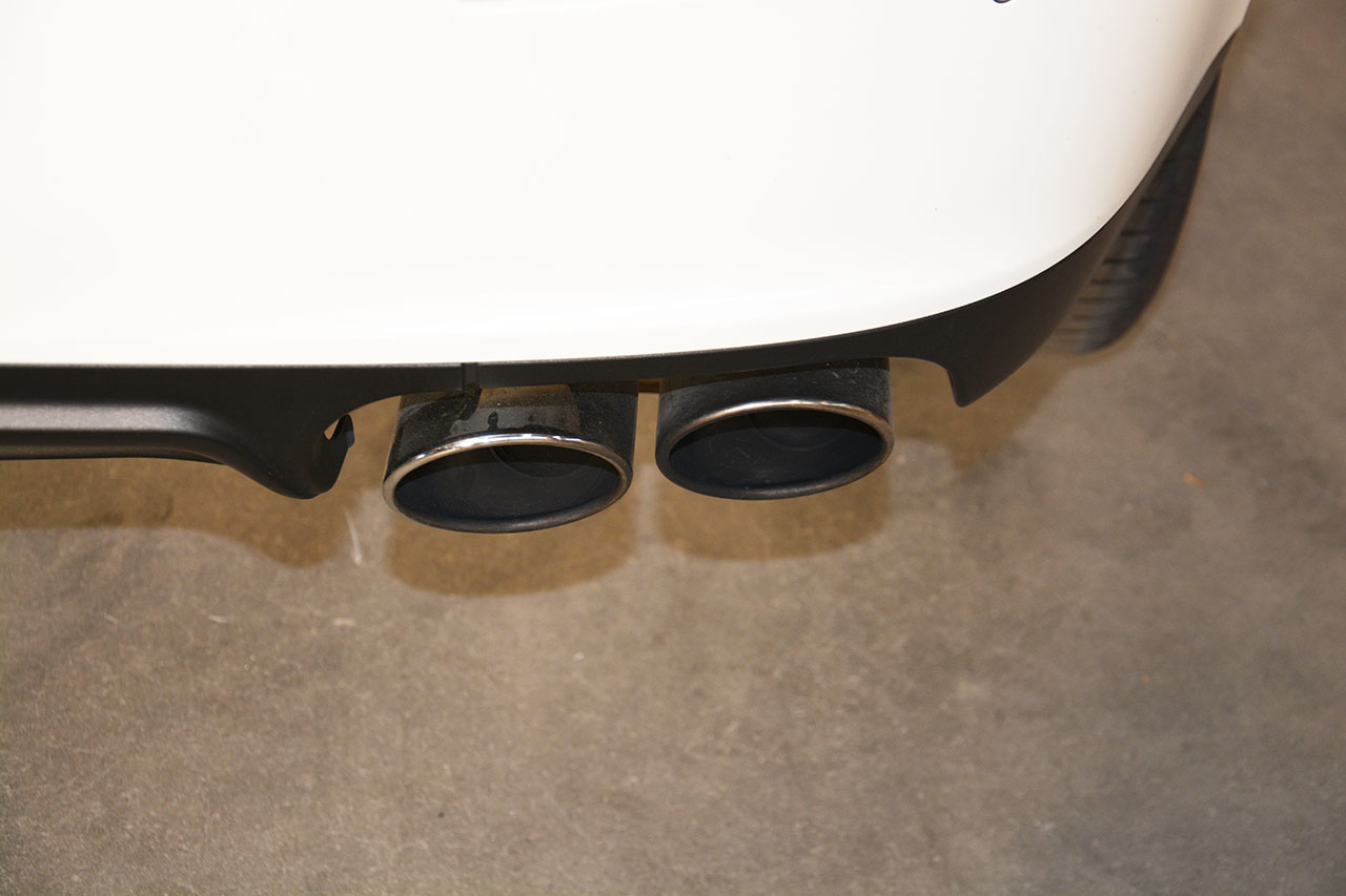 Stock exhaust Maserati Ghibli SQ4 - tailpipes