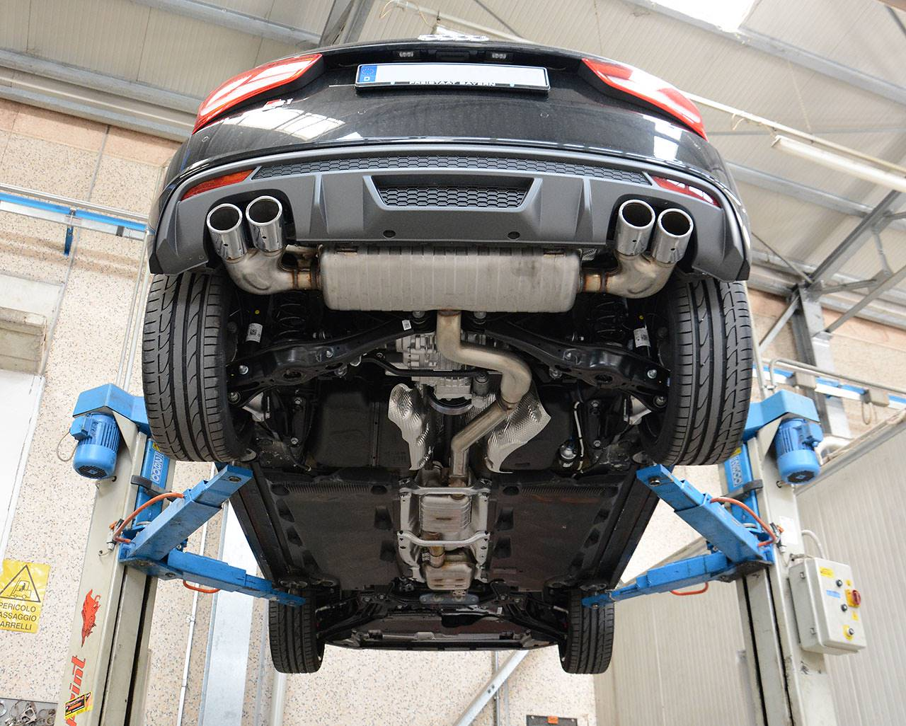 Audi S1 3 doors stock exhaust