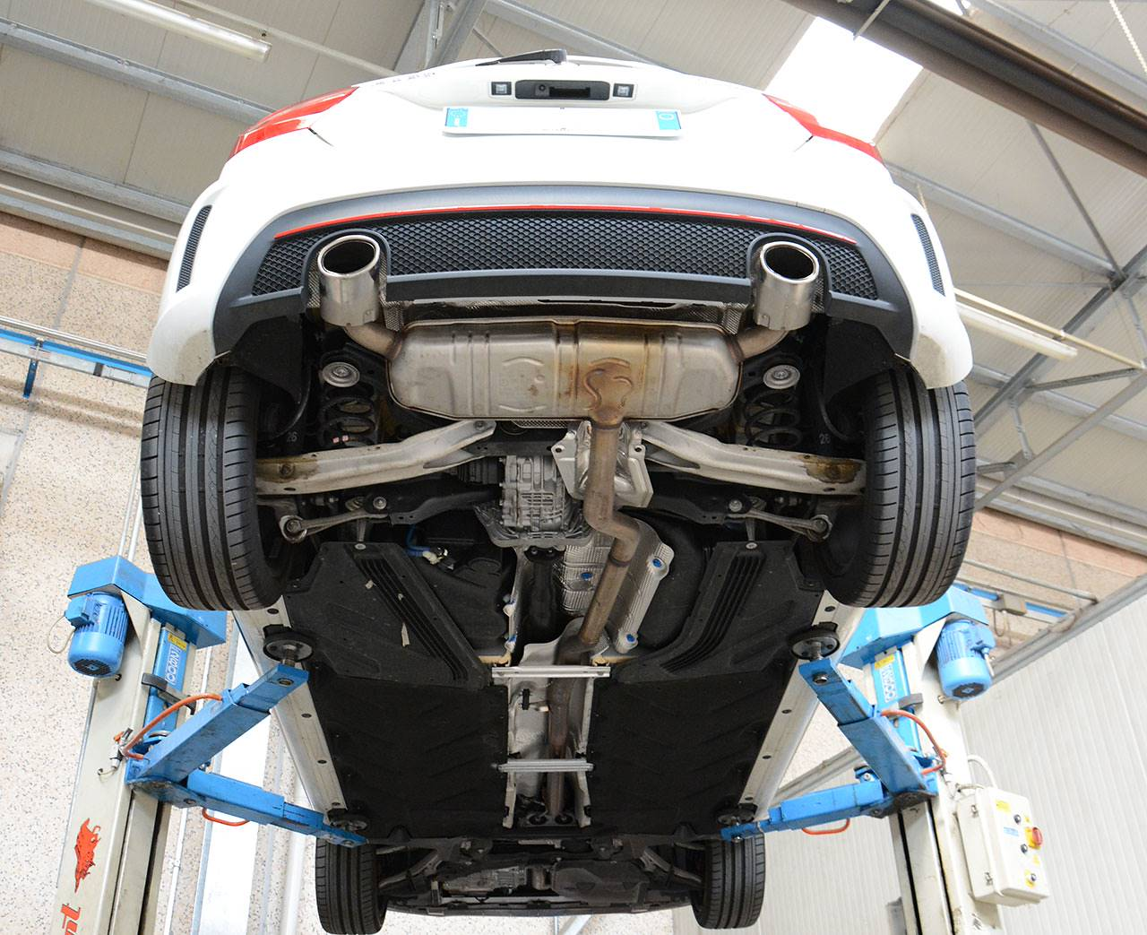 Mercedes A220 W176 4matic stock exhaust