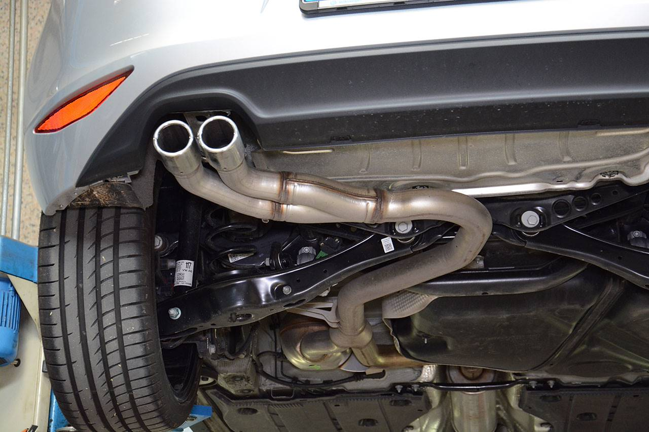 "Stock exhaust Golf Mk7 GTD with ""Sport & Sound"" / Sound Generator - rear pipes"