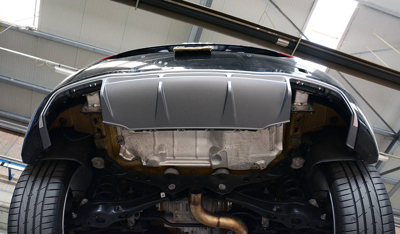 Audi TT mk3 - TTS diffuser compatible with S-Line bumper installed