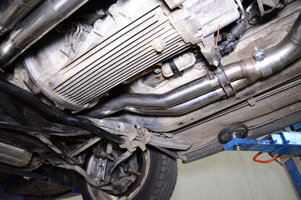 Supersprint connecting pipe 715111 on BMW E31 850 csi v12