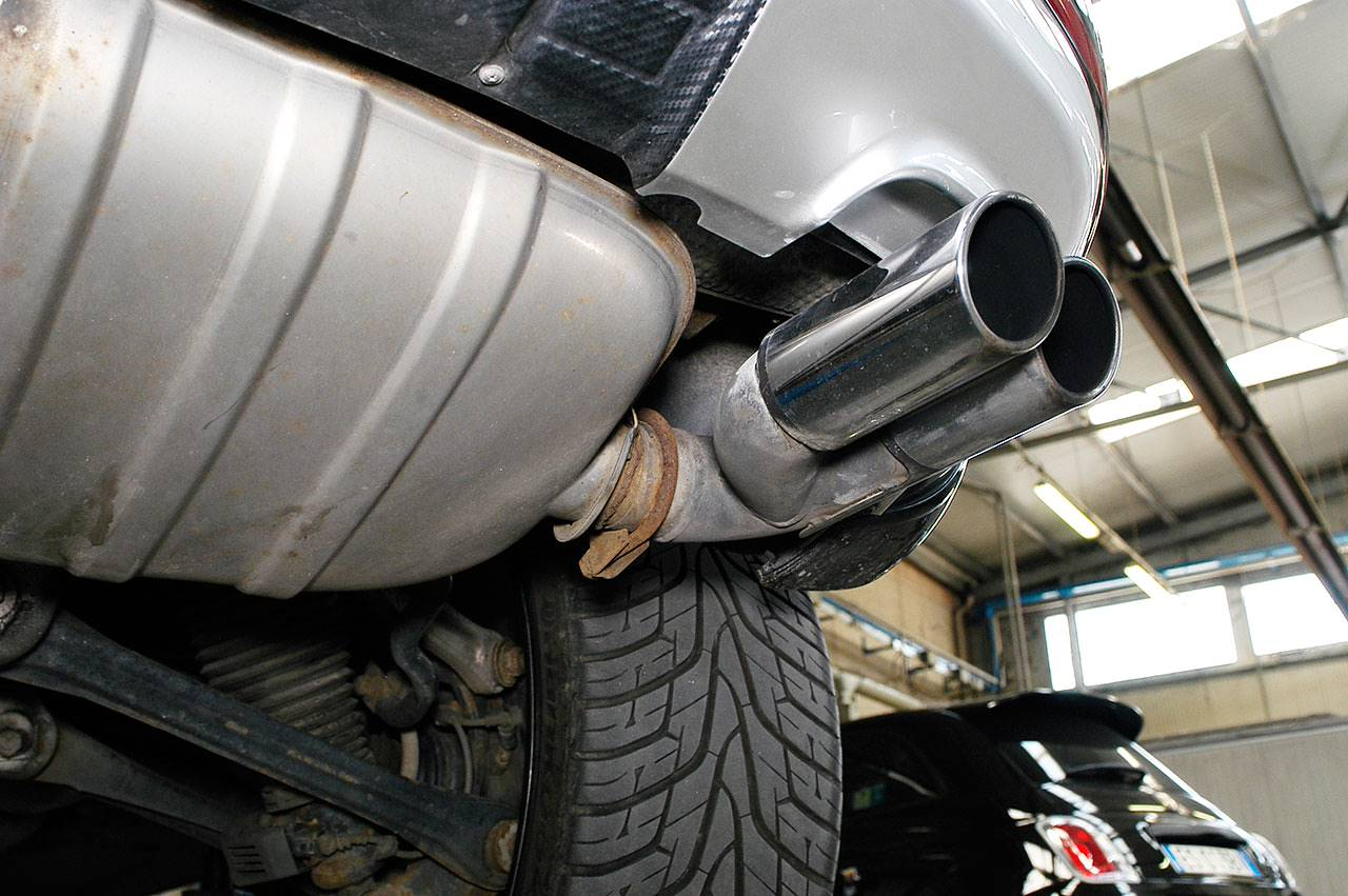Stock muffler with of W12 model tailpipes