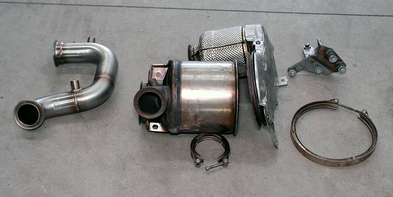 Turbo Downpipe (replaces diesel soot filter) With sensor bungs (Euro 5B  engine) for SEAT LEON SC 5F FR 2 0 TDI (184 Hp) 2013 ->, Turbo Downpipe