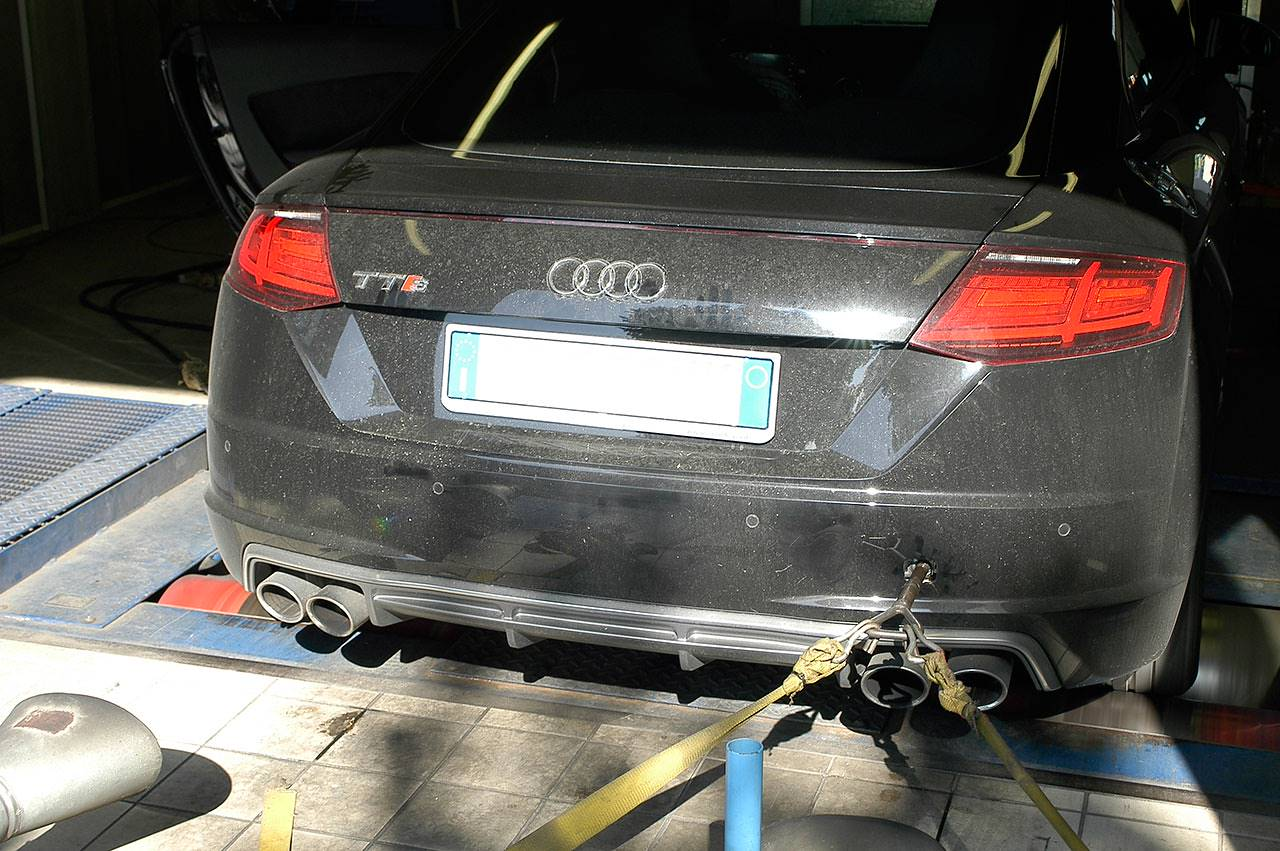 Audi TTS 8S Mk3 stock exhaust dyno testing