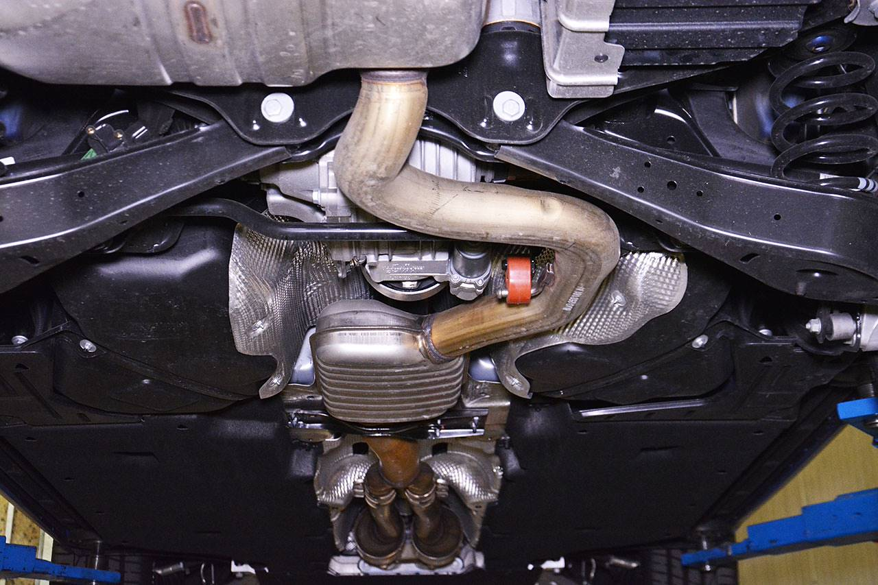Audi RS Q3 stock exhaust system