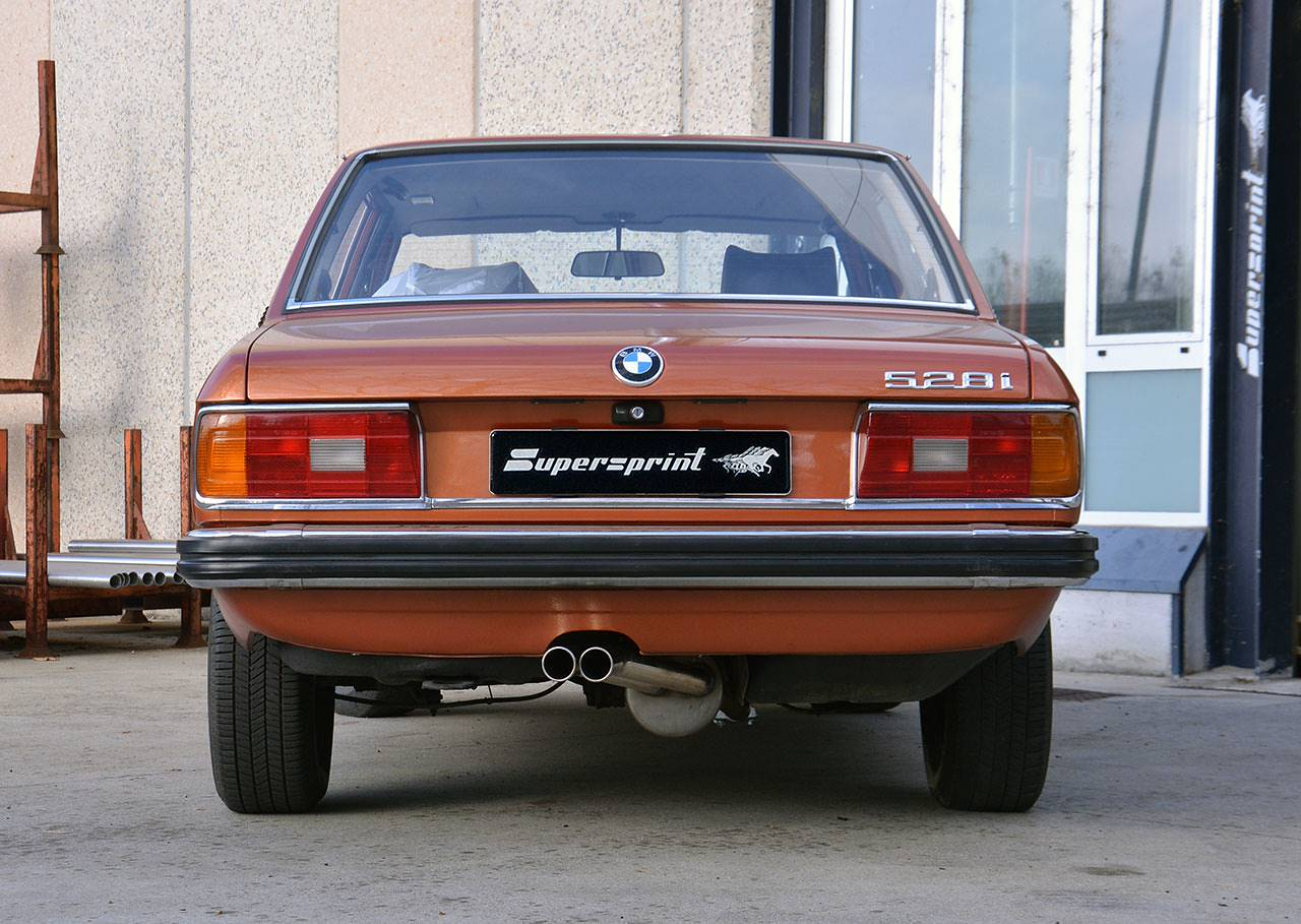 BMW E12 mit Supersprint Ausspuffanlage