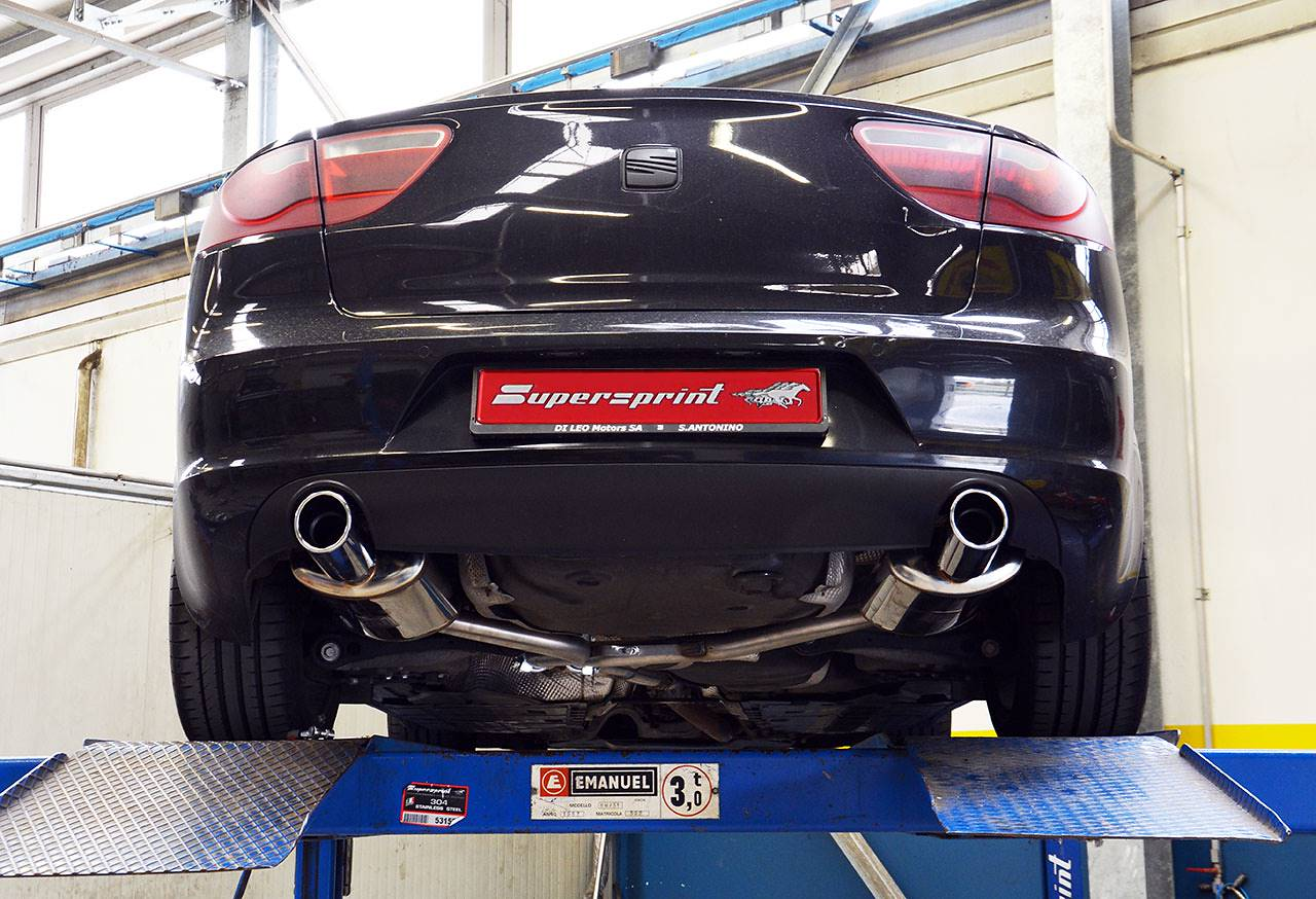 763643 Sleeve pipe for OEM catalyst + 763613 Centre pipe + 763664 Rear exhaust left O90 + 763654 Rear exhaust right O90