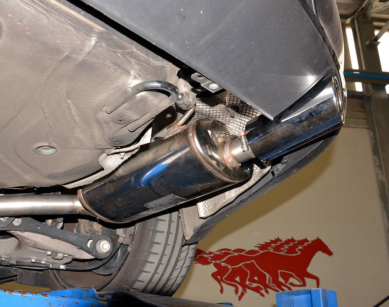 Detail of 763654 Rear exhaust right O90