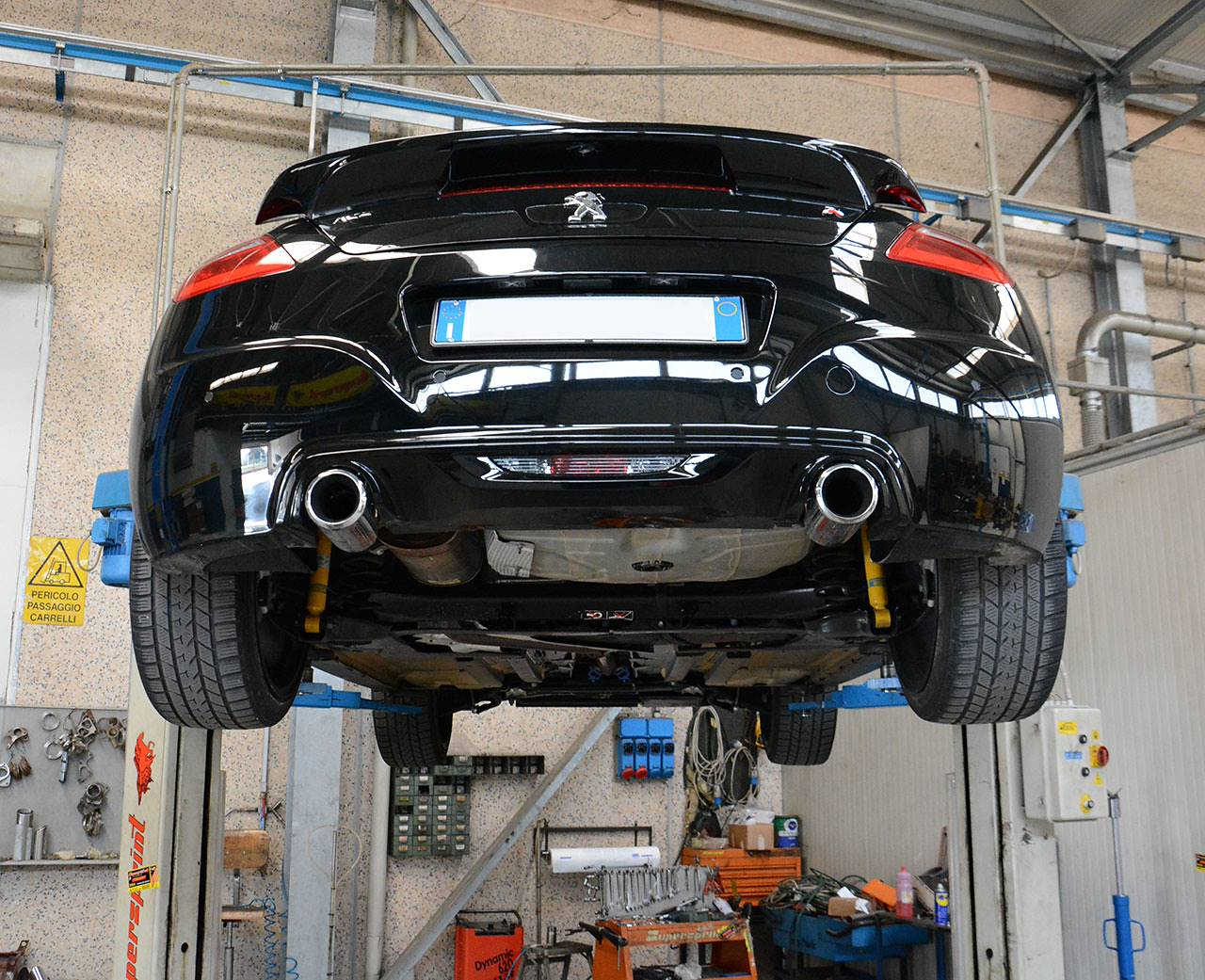 Peugeot RCZ R stock exhaust