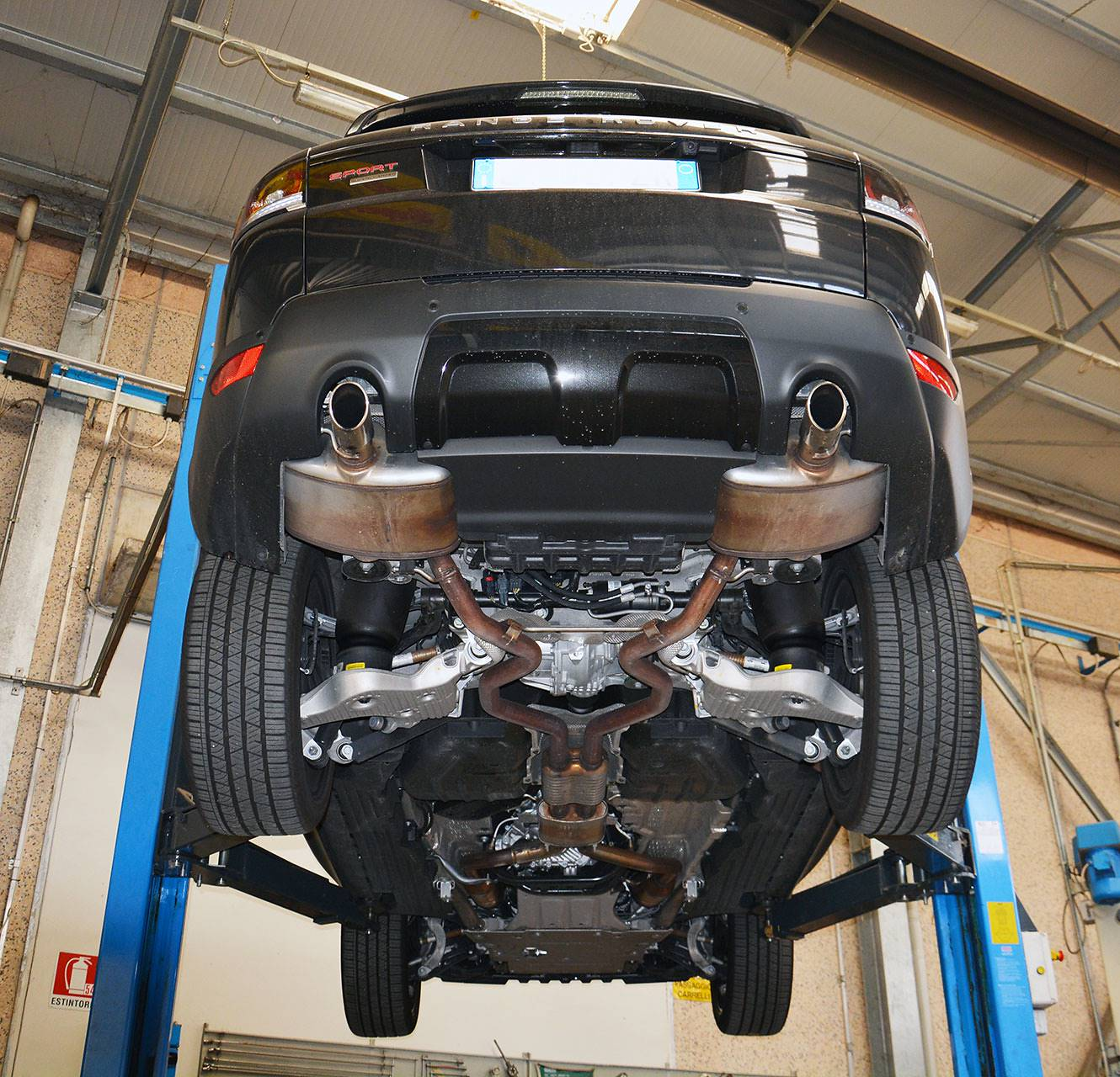 Range Rover Sport mk2 L494 5.0 Supercharged - Sport exhaust development by Supersprint - Stock exhaust