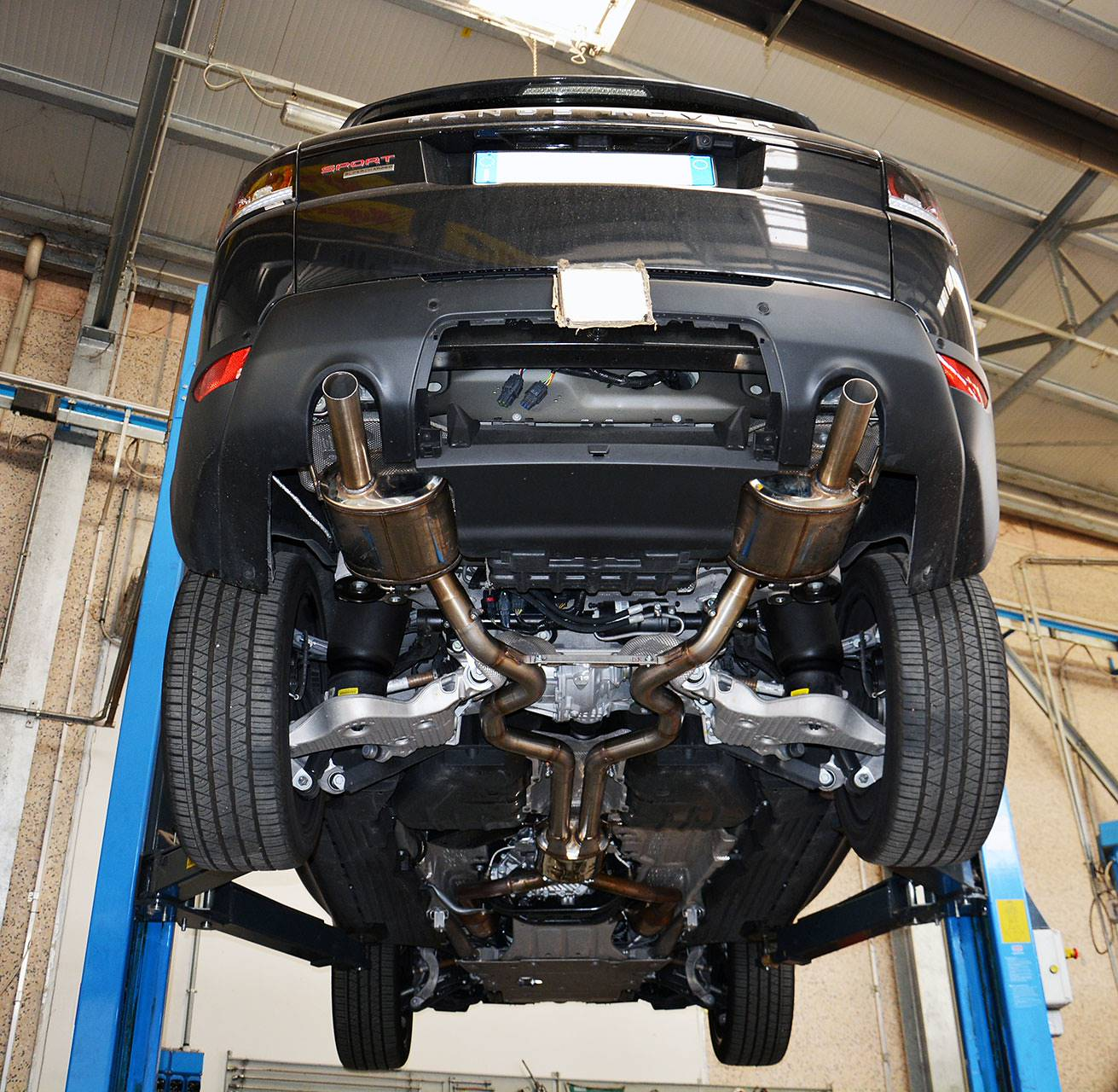Range Rover Sport mk2 L494 5.0 Supercharged - Sport exhaust development by Supersprint -  Rear mufflers with temporary exit pipes and centre silencer testing